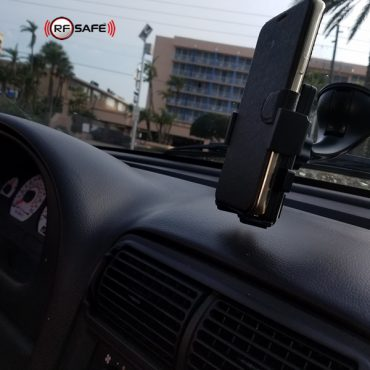 windshield-mount-smartphone-holder-rf-safe